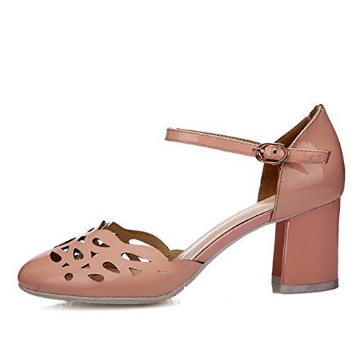 VogueZone009 Women's Kitten-Heels PU Solid Buckle Round Closed Toe Sandals Pink gX0VS