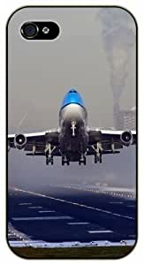 iPhone 5C Jet takeoff, airport - black plastic case / Plane, aircraft, airplane