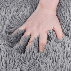 bedee Wohnzimmer Teppich Grau Kunstfell Teppich, Super Weich Shaggy Teppiche für Wohnzimmer Schlafzimmer Kinderzimmer Auto Esszimmer Kindermatte Bettvorleger ( 80x150cm)
