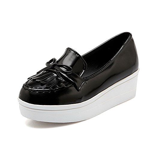 Allhqfashion Dames Solide Lakleder Kitten-hakken Pull-on Ronde Gesloten Teen Pumps-schoenen Zwart