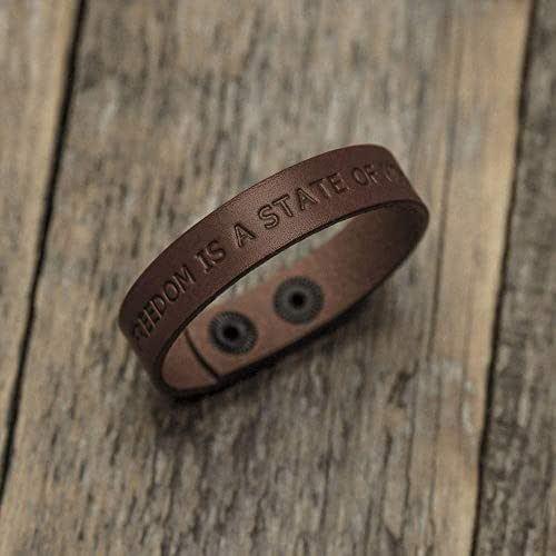 Brazalete personalizada de cuero italiano marrón, grabe su nombre, lema personal, frase inspiradora, coordenadas GPS, fecha, manilla, pulsera