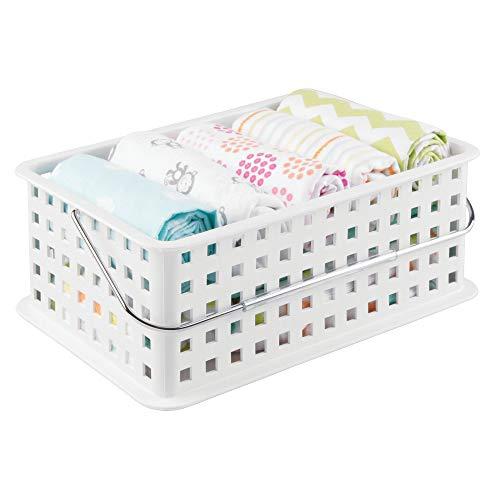 InterDesign Basic Cesta organizadora, canasto organizador de baño de tamaño mediano en plástico para artículos de ducha y...