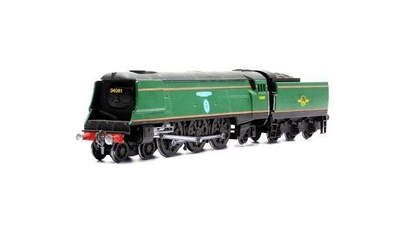 Dapol 1//76 OO Gauge Battle of Britain Class Biggin Hill Locomotive model kit #