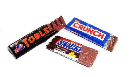 Nestle Crunch Toblerone Snicker Chocolate 3pcs/set Dollhouse Miniature Collectables Fridge Magnet
