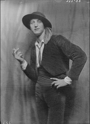 HistoricalFindings Photo: Tellegen,Louis,Mr,costume,portrait photograph,men,d,A Genthe,1913 ()