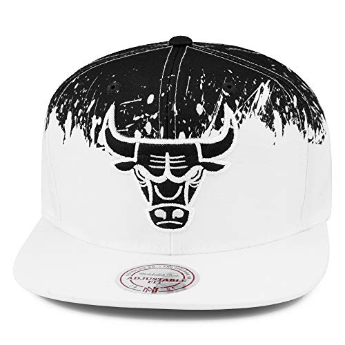 Mitchell & Ness Chicago Bulls Splatter Snapback Hat Cap White/Black