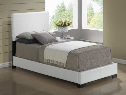 Global Furniture Upholstered Bed, Full, White