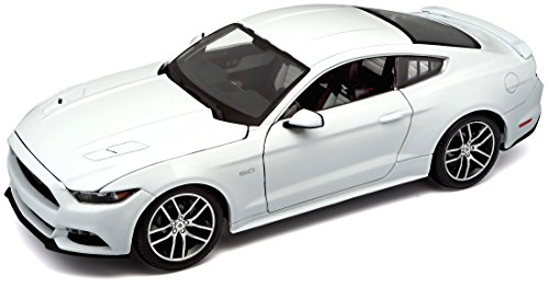 Maisto Exclusive Edition 1:18 2015 Ford Mustang Diecast Vehicle (color may vary)