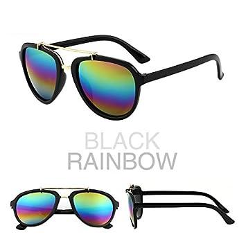 Gafas de sol, una señora de cara redonda, ojos de estrella ...