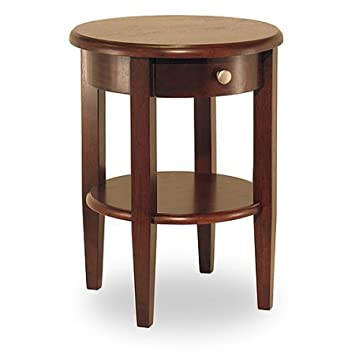 Merveilleux Concord Round End Table, Antique Walnut
