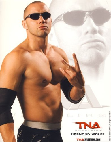 Mcguinness) - Official TNA Wrestling 8x10 Promo Photo ()
