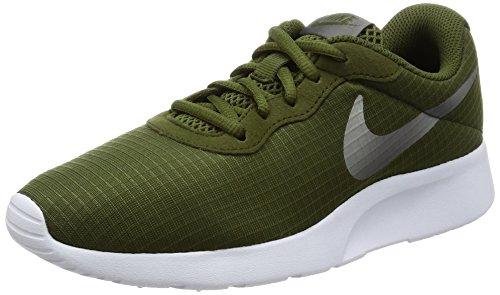 Nike Women's Tanjun SE Green (Canvas Shoes Womens Nike)