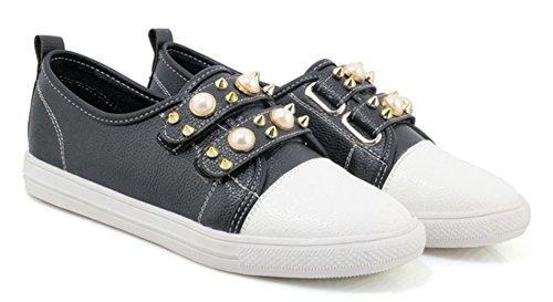 Aisun Womens Casual Bezaaid Ronde Neus Lage Top Haak En Lus Rij-autos Platform Sneakers Platte Schoenen Met Studs Zwart