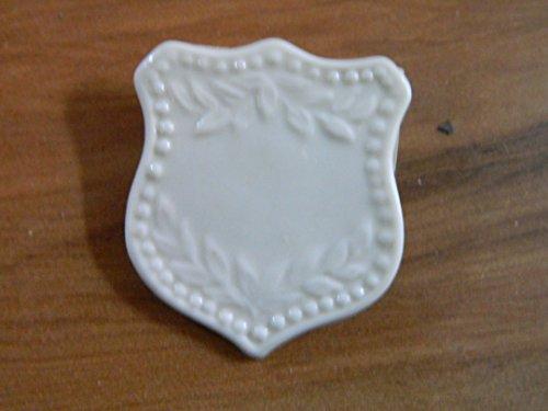 Belleek Collector's Society Brooch Pin