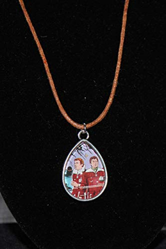 Star Trek Wrath of Kahn Kirk McCoy Necklace Jewelery Bubble Gum Card