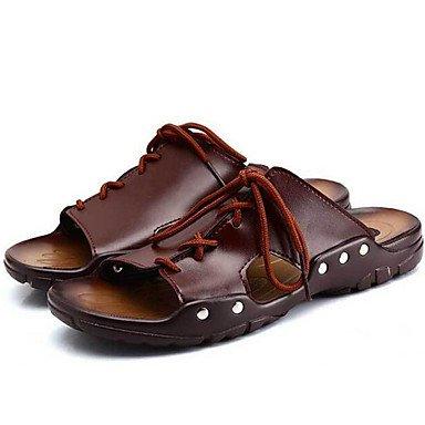 Sandalias de verano zapatos de hombre / Exterior / atléticos casual Zapatillas de cuero marrón Brown