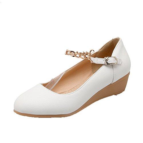 AllhqFashion Damen Zehe Niedriger Absatz Weiches Material Rein Schnalle Pumps Schuhe Weiß