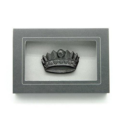 (Graphite Crown Sculpture and Pencil)