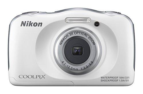 Nikon Coolpix S33 Digitalkamera (13,2 Megapixel, 3-fach opt. Zoom, 6,9 cm (2,7 Zoll) LCD-Display, USB 2.0, bildstabilisiert) weiß