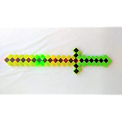 itisyours 24 inches DIAMOND Pixel Sword 8 Bit Deluxe STYLE with LED Light up and FX Sounds PLASTIC (Green): Toys & Games