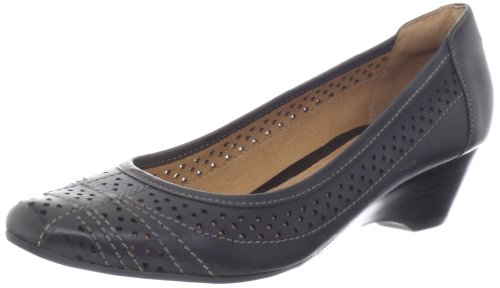 Clarks Womens Ryla Castle Wedge Pump Nero