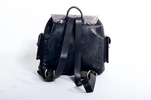 kilaccessori–Rindsleder Rucksack mit Leder Einsätzen und Details. Tuscan Leder, 100% Made in Italy.