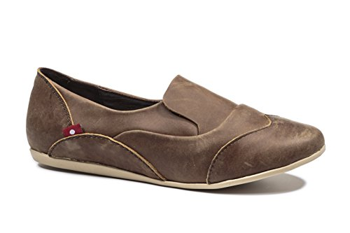 Oliberte Women's Mazowi Saddle Brown Pullup 41/8 Flat Shoe by Oliberte