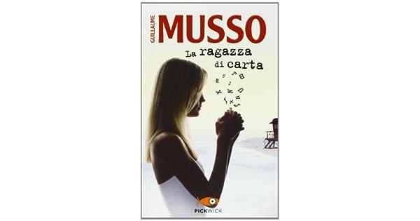Amazon.com: La ragazza di carta (9788868360085): Books