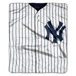 (MLB New York Yankees Jersey Plush Raschel Throw, 50