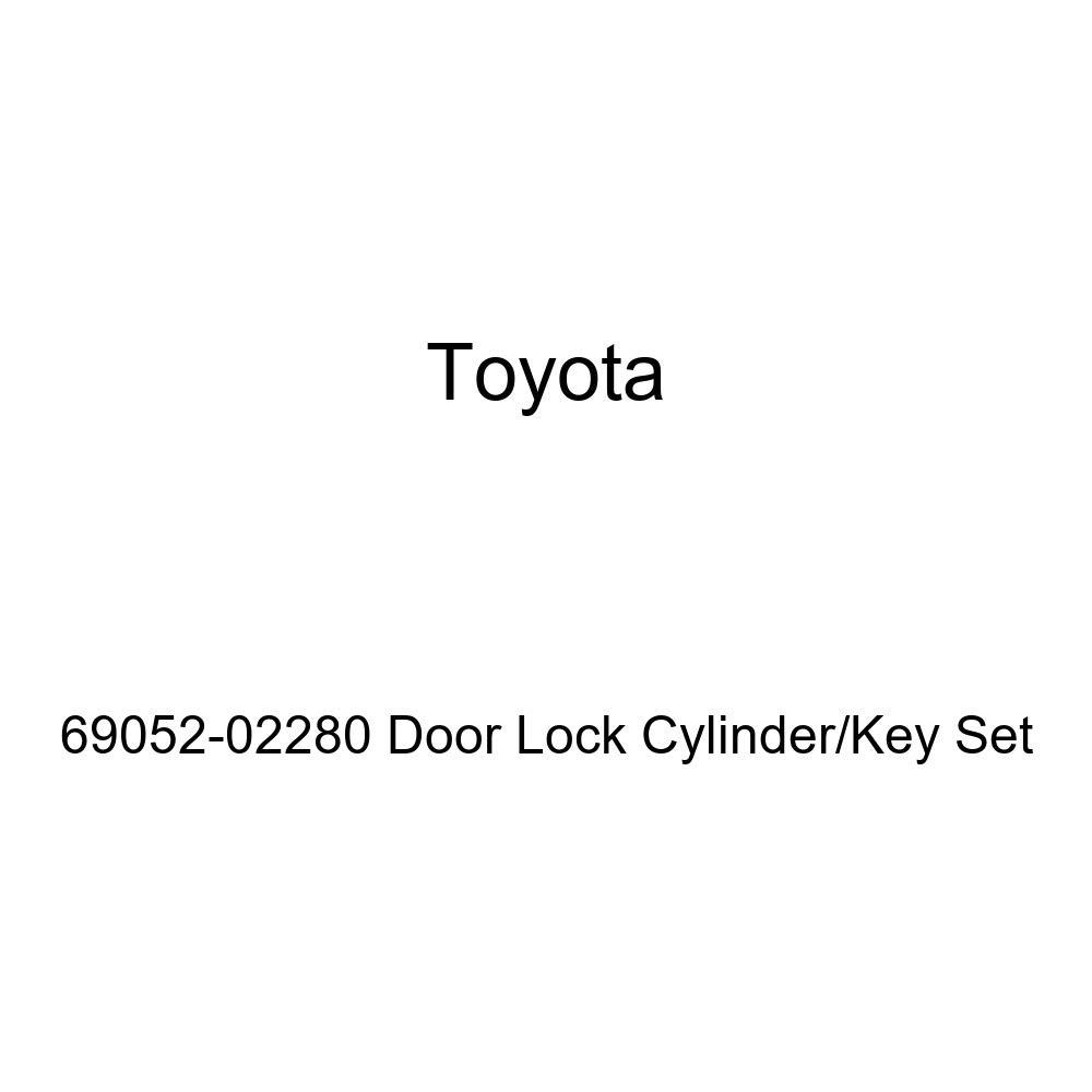 Genuine Toyota 69052-02280 Door Lock Cylinder//Key Set