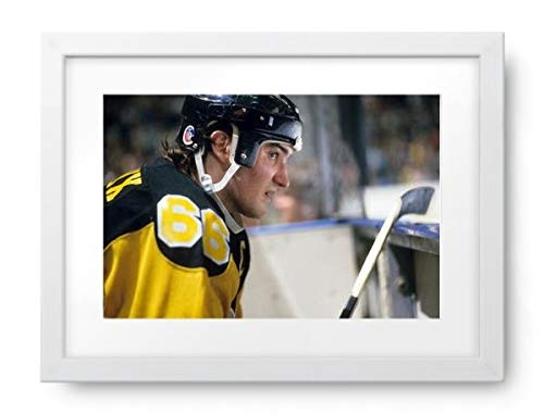 Photos by Getty Images Pittsburgh Penguins - Mario Lemieux Game Action Portrait - Framed Print, Framed, White, White Matte, 22.5x16.5 ()