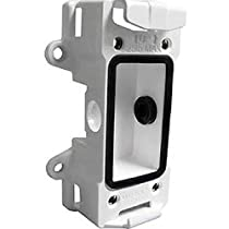 Aluminum wall/ pole mount back box for the UNI-WMB1/ WMB2 and MDB series. Includes straps