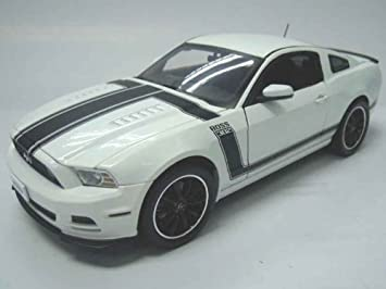 2013 Ford Mustang Boss 302 White 1/18 by Shelby Collectibles