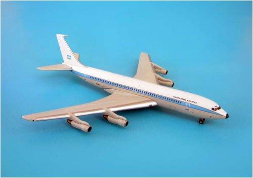 Gemini Jets B707-320B/C Argentina Air Force Diecast Vehicle, Scale 1:1400