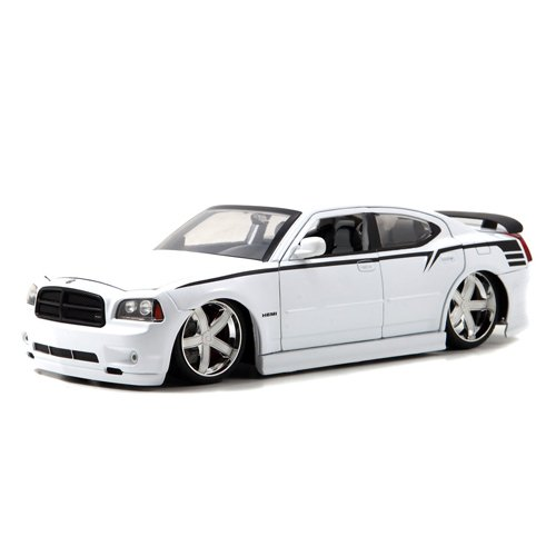 2006 Dodge Charger SRT8 Diecast Model Car 1:18 Scale (White) (Charger 18 Scale Diecast Dodge)