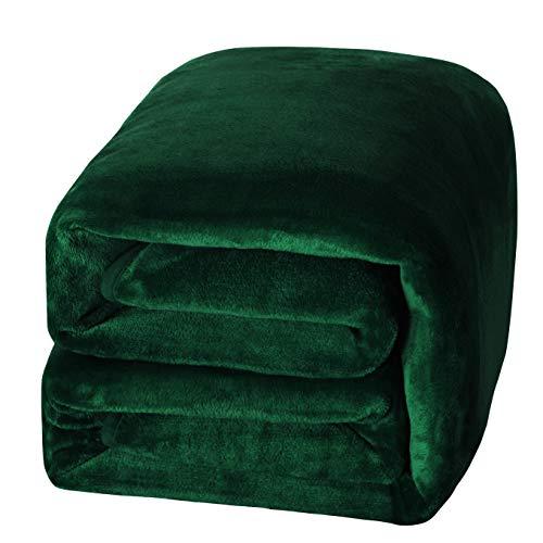 "Exclusivo Mezcla Luxury Flannel Velvet Plush Throw Blanket – 50"" x 70"" (Forest Green)"