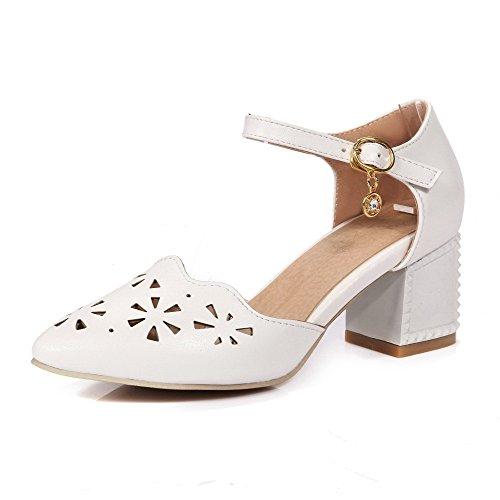 AgooLar Women's Kitten Heels Solid Buckle Closed Toe Sandals White bm7Ljjh6tq