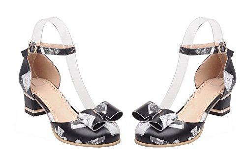 Allhqfashion Mujeres Soft Material Hebilla Floral Redondo Cerrado Kitten-heels Pumps-Zapatos Negro