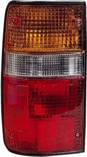 QP Z6158-b Toyota Pickup Driver 4WD Tail Light Lamp Assembly Aftermarket
