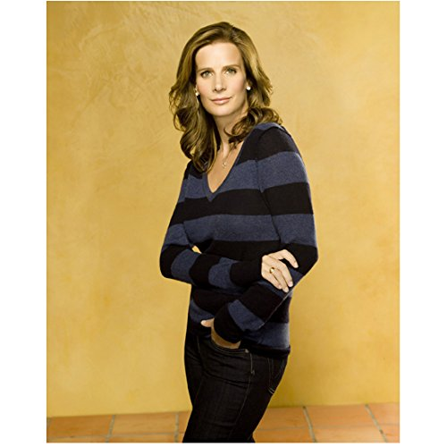 Rachel Griffiths 8 inch x 10 inch PHOTOGRAPH Blow Brothers & Sisters My Best Friend's Wedding Right Hand Holding Left Arm kn