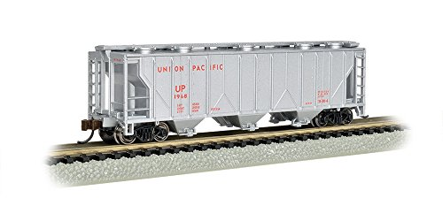 Bachmann Industries PS-2 Silver with Red Lettering Union Pacific Three-Bay Covered Hopper Vehicle (N ()
