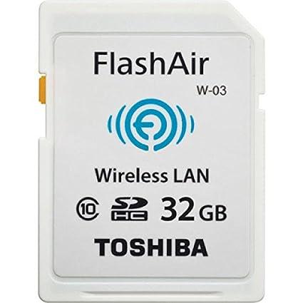 Toshiba FlashAir W-03 - Tarjeta de memoria SDHC de 32 GB (Class 10, Velocidad mínima de escritura de 10 MB/s), blanco