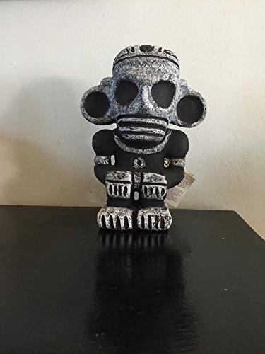 Taino indigenous handmade figure Guillen arte caribeño pre-Colombian art