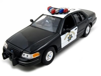 Welly 1/27 Scale Diecast Metal 1999 Ford Crown Victoria California Highway Patrol in Color Black/white in Window Box