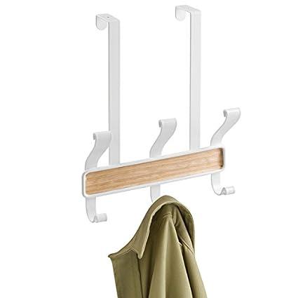 mDesign Perchero de puerta – 3 ganchos dobles - Práctico colgador de ropa para entrada o baño – Perchero sin taladro para abrigos y chaquetas o como ...