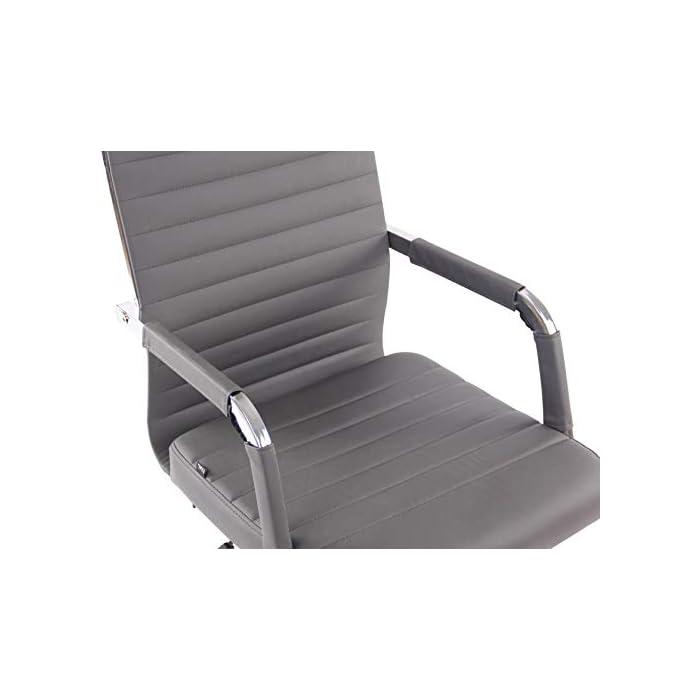 41dEpdareoL AJUSTABLE: La silla de oficina Amadora cuenta con un mecanismo de balanceo en el respaldo que se ajusta con el adaptador de rosca ubicado debajo del asiento, allí se encuentra también la manivela que permite ajustar la altura de la silla. El asiento puede dar un giro de 360° y gracias a las ruedas de su base permite a la unidad deslizarse por diversas superficies. MATERIALES: La estructura de la silla así como la base están hechas de metal en efecto óptico cromado brillante. La silla cuenta con un tapizado en cuero sintético (100% poliuretano), dicho material es resistente y fácil de limpiar. Las ruedas de la base son de polipropileno suave, que permite rodar con facilidad. DIMENSIONES: La silla ejecutiva tiene las siguientes medidas aproximadas: Alto: 96-106 cm I Ancho: 51 cm I Profundidad: 63 cm I Altura del asiento: 43 - 51 cm I Superficie del asiento (AxP): 46 x 49 cm I Altura del respaldo: 58 cm I Altura del reposabrazos: 19 cm I Capacidad máxima de carga: 120 kg I Peso: 11 kg.