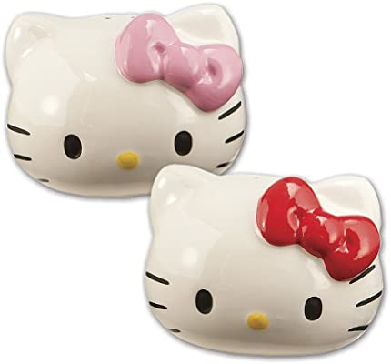 Amazon Com Vandor 18030 Hello Kitty Ceramic Salt And Pepper Set Multicolored Combined Pepper And Salt Shakers Kitchen Dining