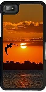 Funda para Blackberry Z10 - La Puesta Del Sol Con El Pájaro by WonderfulDreamPicture