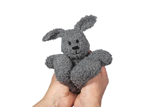 Little Cuddle Bunny: Toy Knitting Pattern