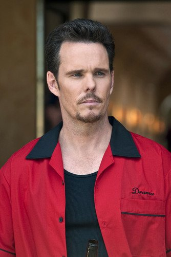 - Kevin Dillon 24x36 Poster Red Jacket Entourage Star